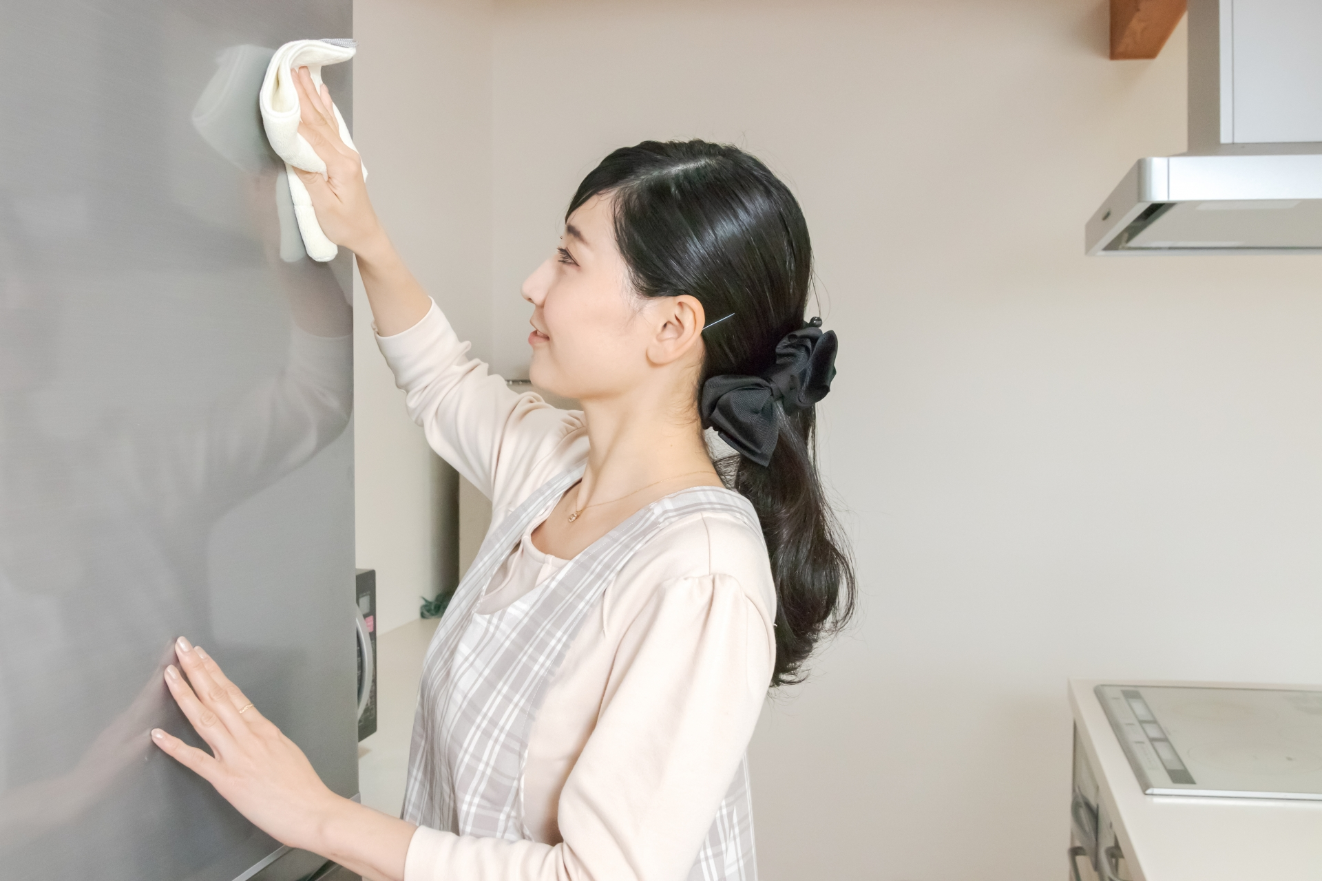 冷蔵庫の掃除。カビや菌を予防する梅雨時期の掃除方法